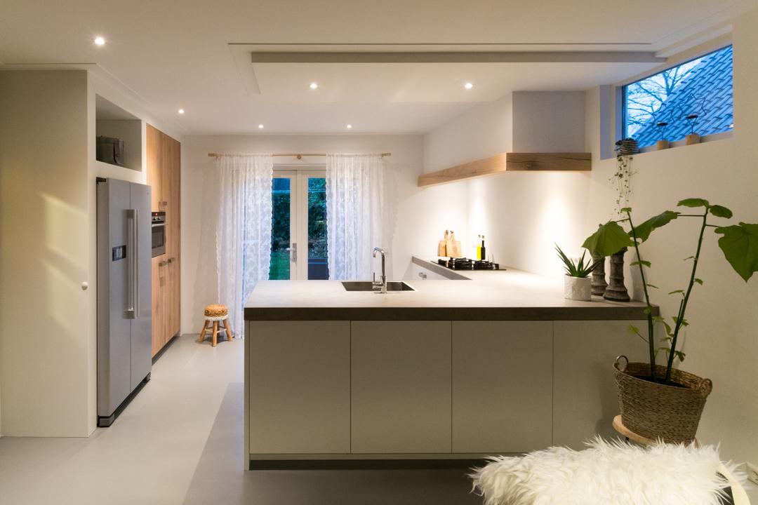 Keuken Schiereiland Landelijk : Showroomkeukens alle showroomkeuken aanbiedingen uit nederland